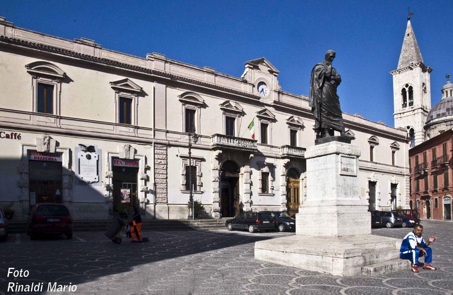 Sulmona Piazza Ovidio (9)