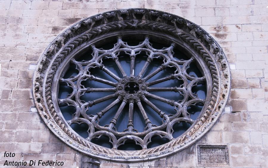 Sulmona S.Maria della Tomba rosone (4)