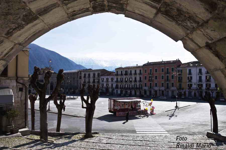 Sulmona la piazza(11)